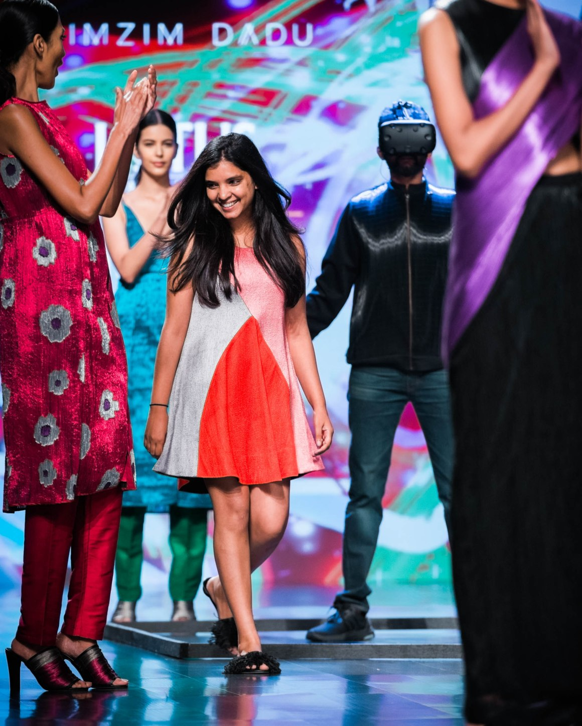 Naina Redhu, Naina.co, Rimzim Dadu, Fashion Designer, FDCI, Lotus MakeUp India Fashion Week Spring Summer 2019, LMIFWSS19, LMIFW, India Fashion Week, Fashion Week Delhi, MadeInIndia, Made In India, EyesForFashion, Professional Photographer, Blogger, Fashion Photographer, Lifestyle Photographer, Luxury Photographer, Delhi Photographer, Gurgaon Photographer, Delhi Blogger, Gurgaon Blogger, Indian Blogger