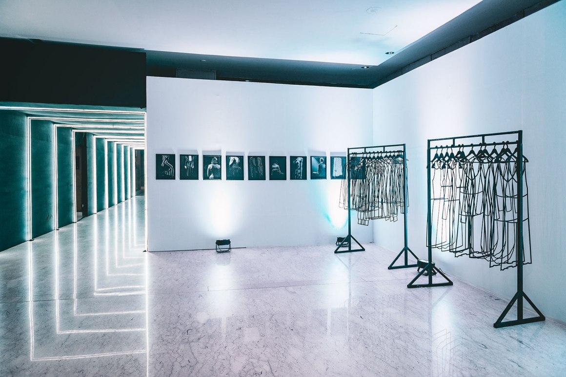 Naina.co, Naina Redhu, Ashish N Soni, Kolkata, Calcutta, Blenders Pride Fashion Tour, BlendersPrideFashionTour, NAINAxBPFT, BPFT2018, BPFT, Pernod Ricard, Black and White, Monochromatic, Monochrome, Ashish Soni, ITC Sonar Banlga, West Bengal, MadeInIndia, EyesForFashion, Client Photography Showcase, Professional Photography, Photo Story, Experience Collector, Runway, Models, MyIdentityMyPride, My Identity My Pride, MyStyleMyPride, My Style My Pride, Sushmita Sen, Rajiv Makhni, Whisky, Whiskey, Blenders Pride, Preferred Professionals, Salt XP, Sanea, Aishwarya Sushmita, Silver Hair, Fashion Installation, Bar, Professional Photographer India, Fashion Photographer India, Lifestyle Photographer India, Lifestyle Photographer, Behind The Scenes, Backstage