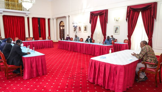 Photos Of Raila Odinga and Uhuru Kenyatta in a Meeting at statehouse has Elicited Mixed Reactions from Kenyans.