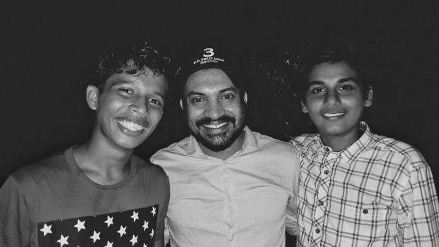 Soubin Shahir with Parava actors