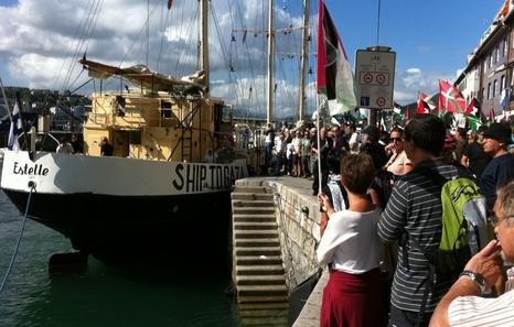 20120826_flotilla2