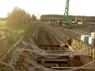 管水路工 基礎砂利施工後山留撤去状況