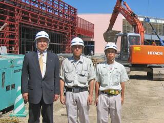 左から中山社長、村田さん、香西さん