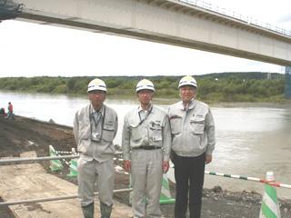 左から 渡邊主任、藤田所長、中山社長