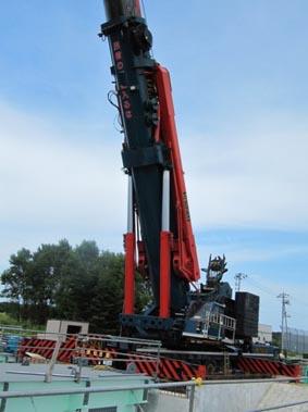 使用されていた500トンクレーン