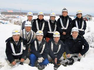 前列左から 田中さん、小笠原さん、畠中さん、中山社長 中列 上村さん 後列左から 川津さん、阿部さん、丹波さん、田畠さん、木村さん (訪問時は今野さんが不在でした)