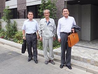 左から作田支店長 大塚課長、中山社長
