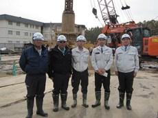 左から徳永さん、向井工事次長、長谷川さん、 堀田工事課長、中山社長