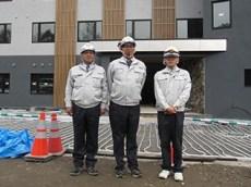 左から中山社長、三品工事課長、目黒さん