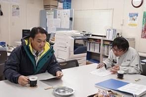 中村さんより説明を受ける中山社長