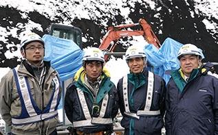左より小田桐さん、前田さん、小林さん、中山社長