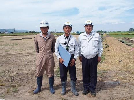 左から 一安さん(遠藤組)、前田さん、中山社長