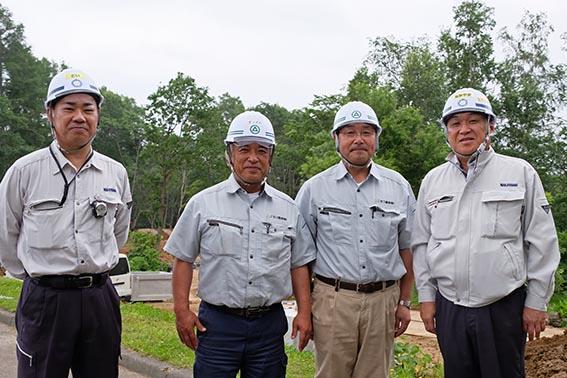 左から土居さん、松澤さん(ニセコ環境)、古谷さん(ニセコ環境)、中山社長