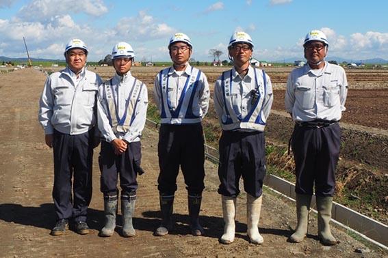 左から中山社長、川島さん、小田桐さん、廣木さん、石澤さん