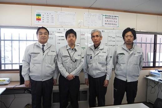 左から中山社長、中塚さん、小林さん、馬場さん