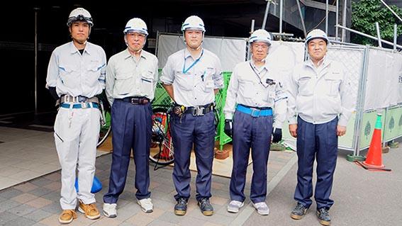 右から中山社長、槙田さん、荒井さん、久保田さん、鈴木さん(株式会社城陽様)