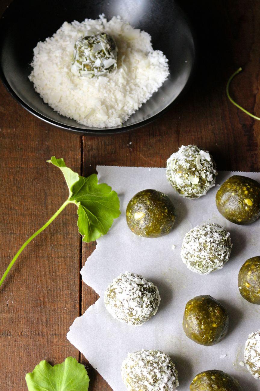 Matcha Cashew Coconut Energy Balls