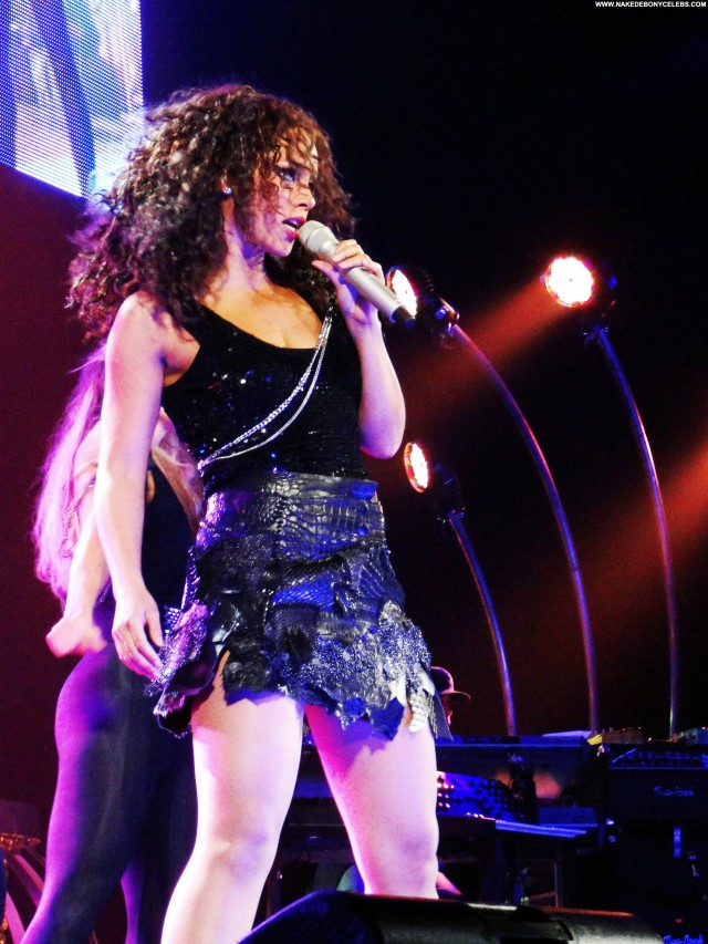 Alicia Keys Miscellaneous Sensual Small Tits Ebony Singer Celebrity