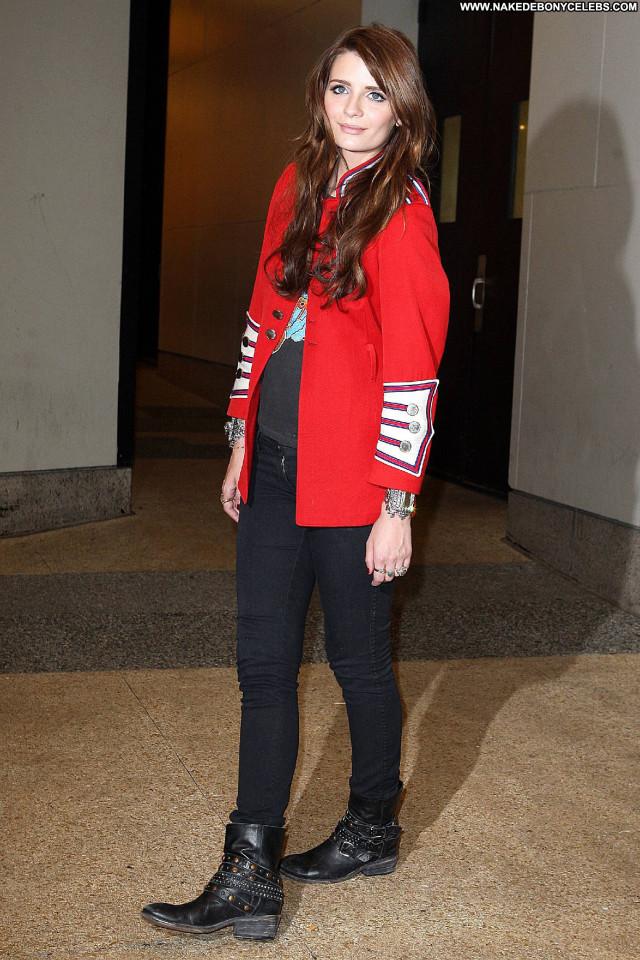 Mischa Barton Posing Hot Celebrity Beautiful Babe Gorgeous Cute Hd