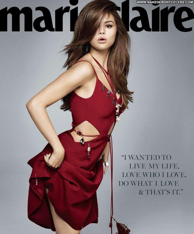 Selena Gomez Posing Hot American Sexy Babe Celebrity Beautiful