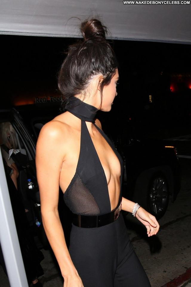 Kendall Jenner Nice Party Birthday Paparazzi Braless Posing Hot
