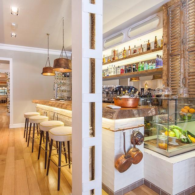 La Jefa Home Bar A Chic Restaurant Near Recoletos Naked