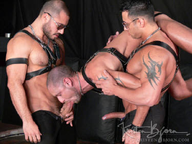 gay leather bdsm