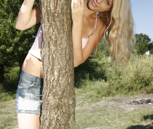 Maquiera Beautiful Ukrainian Blonde Gets Naked No One Cant Stand Still Looking At This Girl