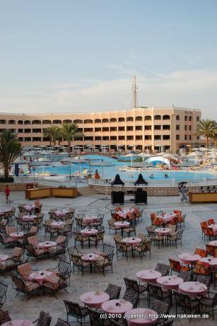 Pool und Restaurnt