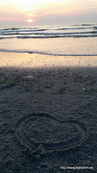Herz im Sand