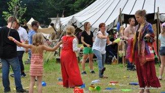 Spielen und Tanzen