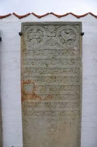 Alter Grabstein von 1696