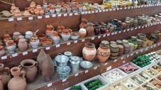 Küge und Vasen vom Markt