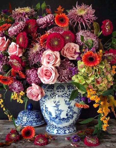 floral arrangement by Hattie's Fleurs