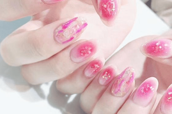 What is the full set of nail tools