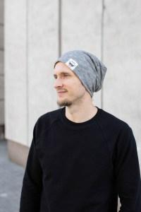 BEANIE tipo dvipusė kepurė rudeniui su nuotaikomis Kreminė-Pilka