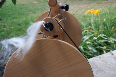spinning wheel with alpaca fiber