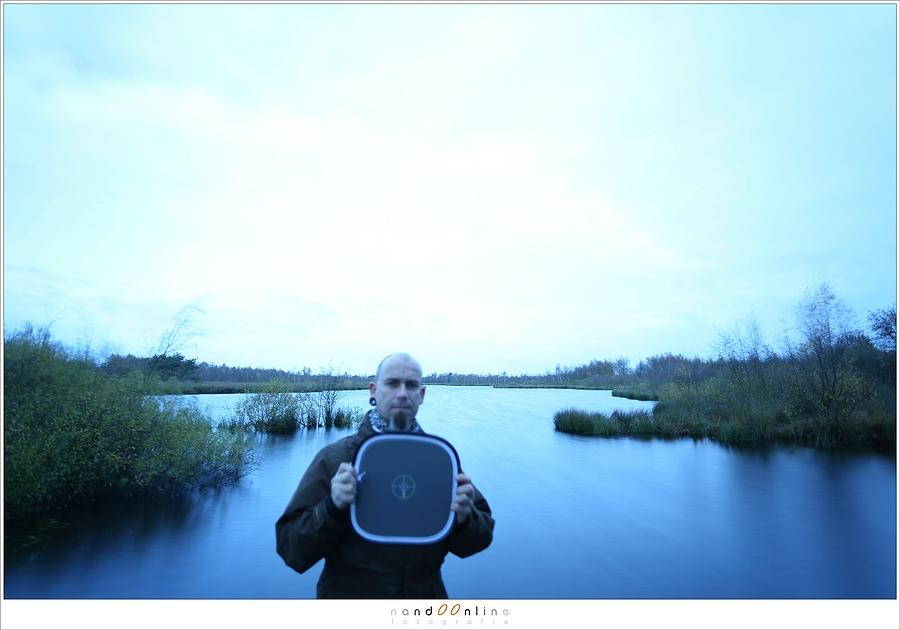 Foto voor de witbalans correctie, mèt grijskaart.ISO100 - f/4 - 8sec