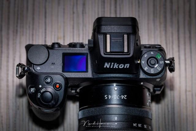 Gebruik een van de custom instelfuncties voor flitsfotografie, zodat ook je belichtingssimulatie naar wens ingesteld staat.