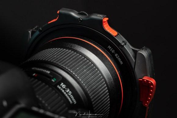 Review van het Haida M10 filtersysteem - de houder op de adapterring