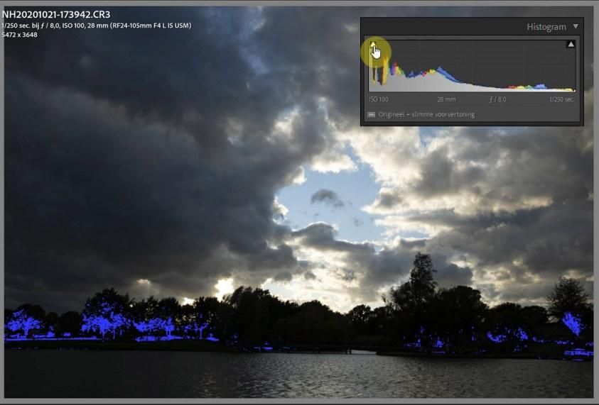 Onderbelichte delen in de foto, maak gebruik van het dynamisch bereik van je camera