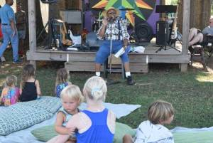 New Albany MS Biscuits & Jam storyteller
