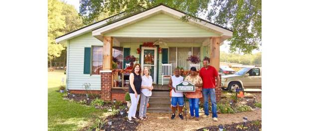 New Albany MS Caviness home beautification award