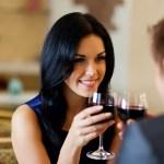 Τι θα λέγατε για ένα ρομαντικό δείπνο;