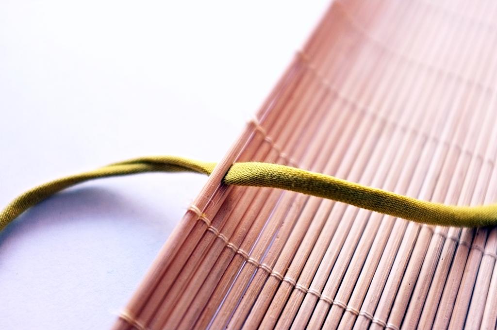 etui z maty bambusowej