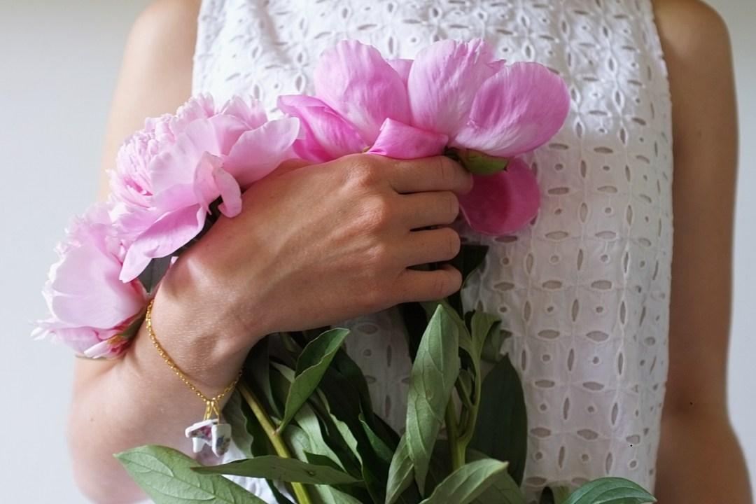 biżuteria z potłuczonych naczyń