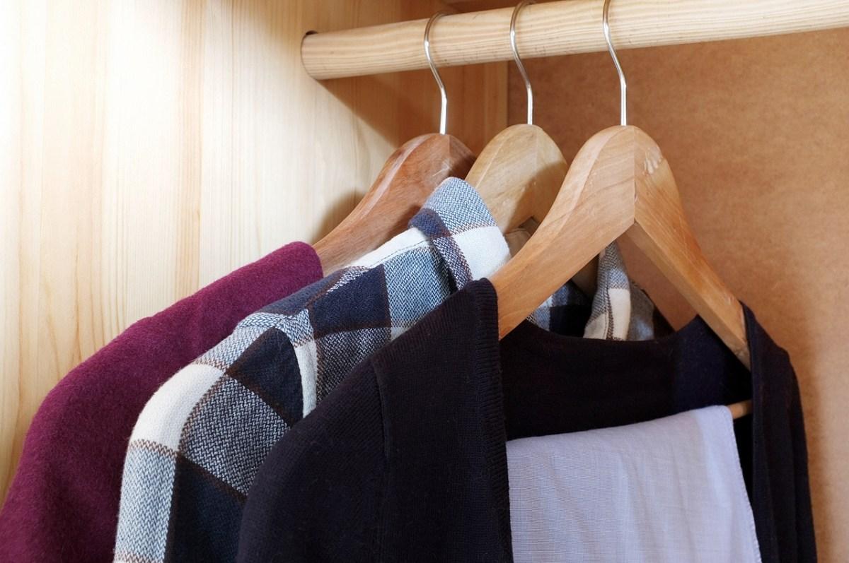 Co zrobić z używanymi ubraniami i butami? Odpowiada Ministerstwo Środowiska