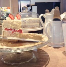 Strawberry cake chez Sophie Bakery
