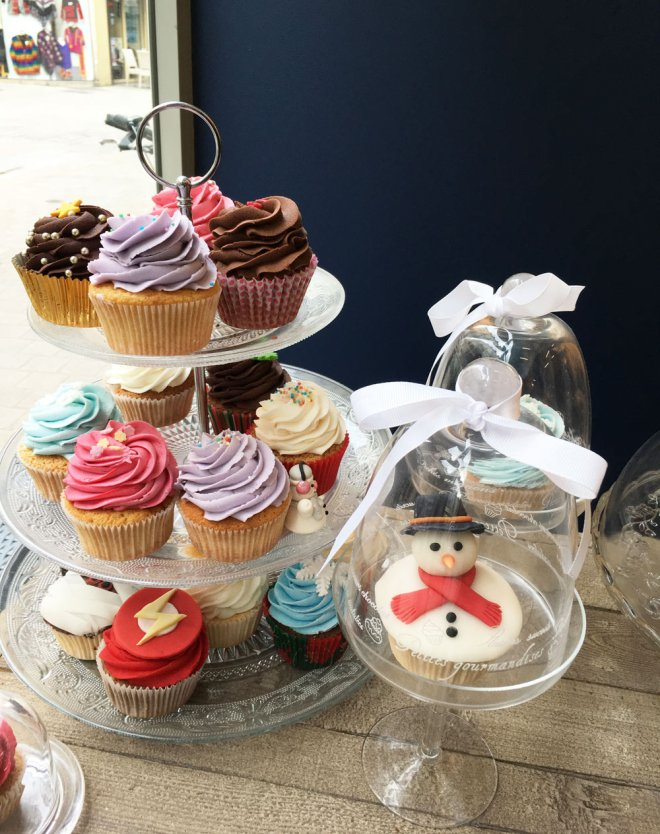 Les cupcakes parfaits au glaçage coloré
