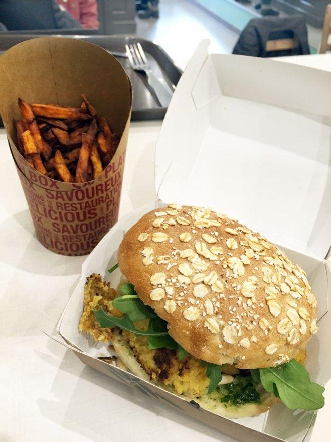 Le burger végétarien de Veggie avenue restaurant végétarien à Nantes